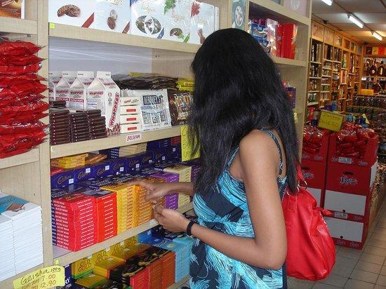 Samudra Duty Free: shopping