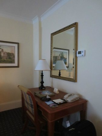 Claremont Club & Spa, A Fairmont Hotel: Room