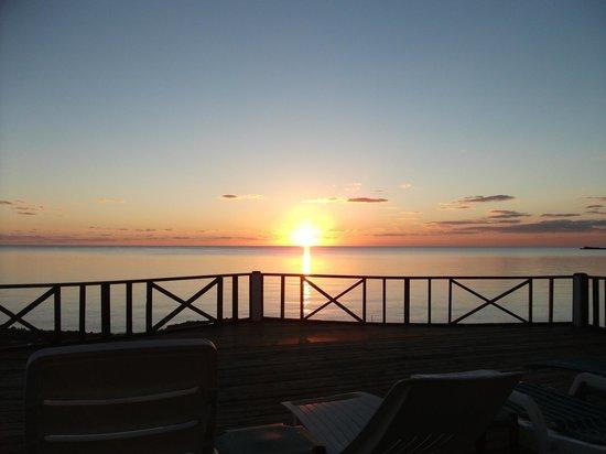 New Sunset Inn: THAT is why it's 'The Sunset Inn'!!!