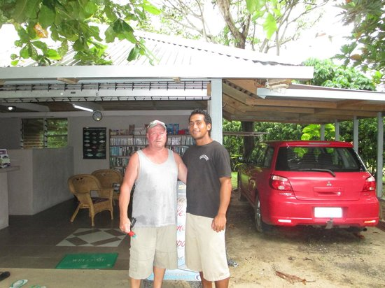 Savaii Lagoon Resort: Gary & June (barstaff)