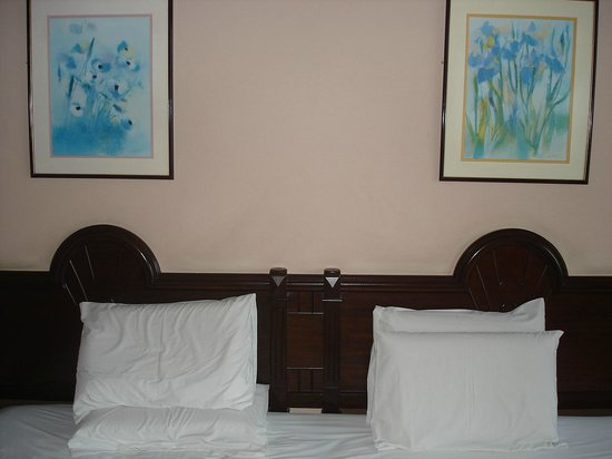 Bayview Hotel Langkawi: king size bed
