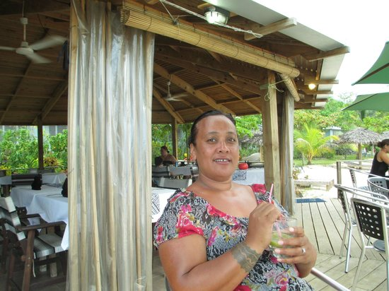 Savaii Lagoon Resort: cocktail hour for me