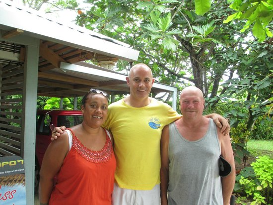 Savaii Lagoon Resort : Liz, Tony ( Manager), Gary