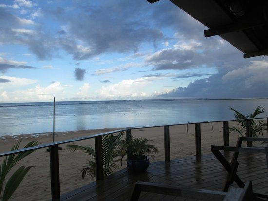 Savaii Lagoon Resort: sunrise from breakfast table