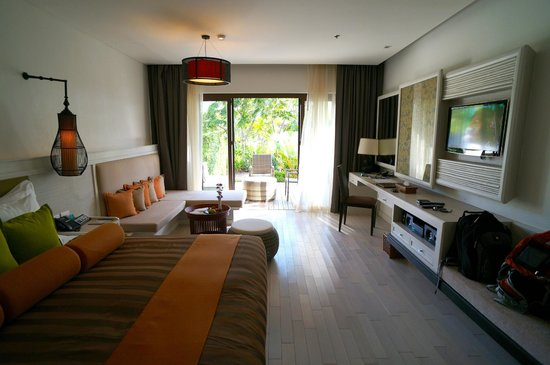 Natai Beach Resort & Spa, Phang-nga: Room & Veranda