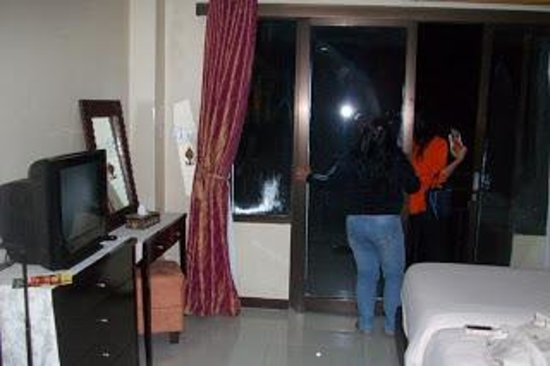 The Aroma's of Bali Hotel & Residence : ada balkon tiap kamar