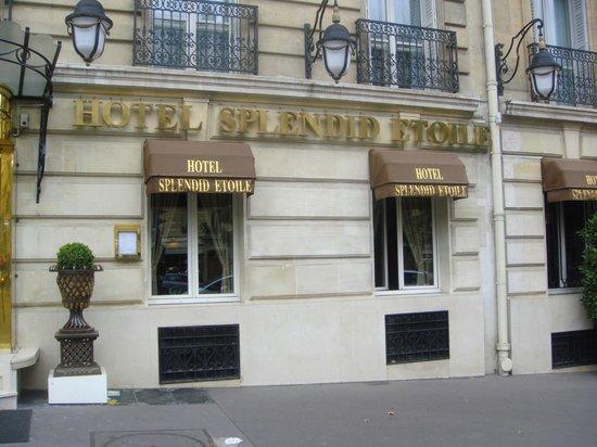 สเปลนดิ๊ด เอตวล โอแตล:                   Hotel