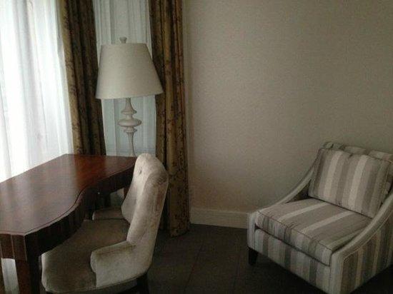 L'Hermitage Hotel:                   private study                 