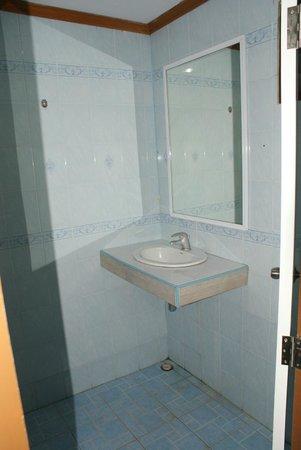 Andaman Resort: Bathroom sink