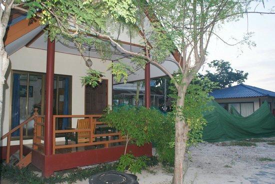 Andaman Resort: Green tarp area is garbage dump