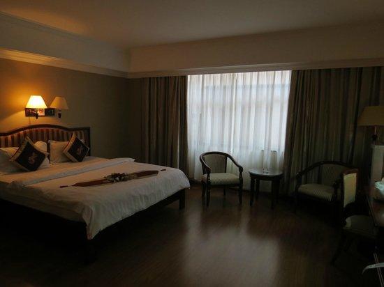 โรงแรมลุกซ์ริเวอร์ไซด์ & อพาร์ทเมนท์: Tasteful and quiet Superior King room