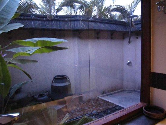 The Zuri Kumarakom: doccia all'aperto