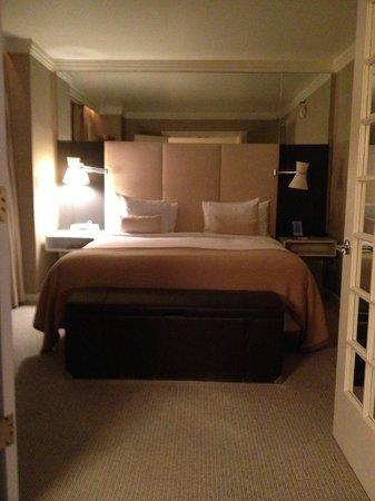 เดอะลอนดอนNYC:                   bedroom very spacious