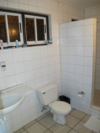 Carriacou Grand View:                   Bathrooms vary in size.