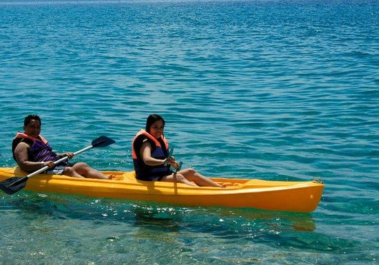Acuatico Beach Resort & Hotel: Kayak all you want!