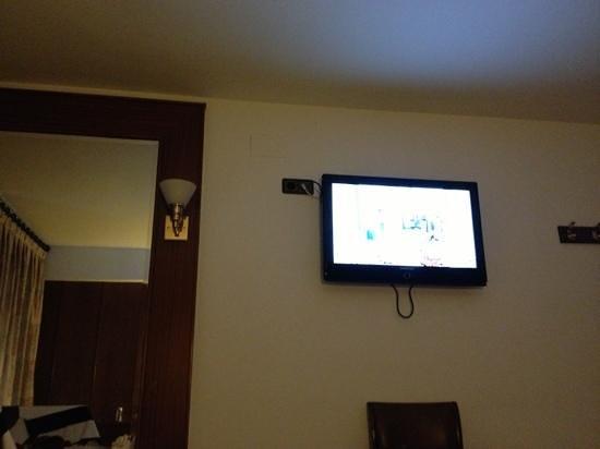 Hotel Jaume I: TV frente a la cama