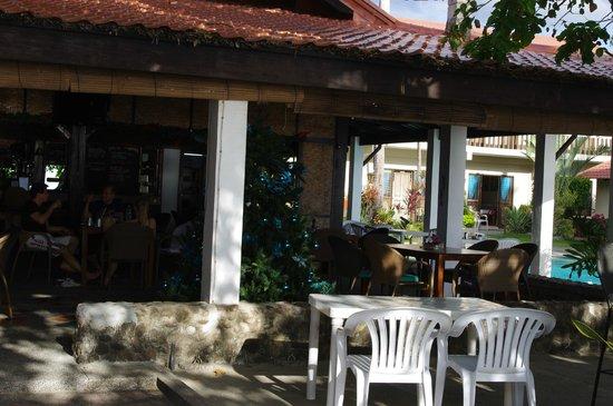 Coral Beach Club, Lian