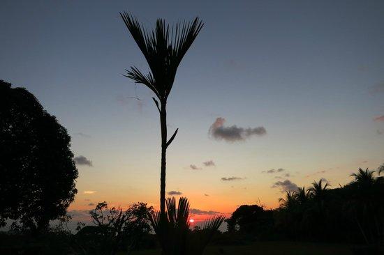 هوتل لوك أوت: coucher de soleil depuis notre bungalow 