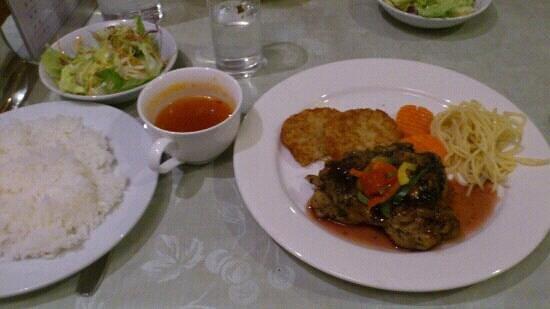 Resort Hotel La Foret Hakuba: 夕食