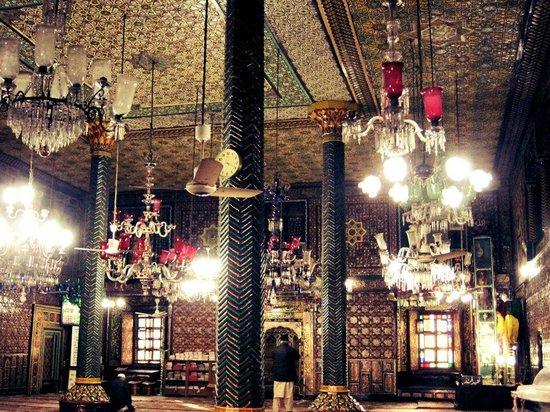 Shah-e-Hamdan :                                     Interiors