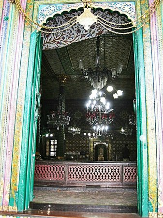 Shah-e-Hamdan :                                     The magical doorway