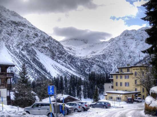 Hotel Altein:                   Area around the hotel