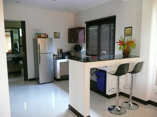 Leelawadee Garden Resort:                   well equipped kitchen
