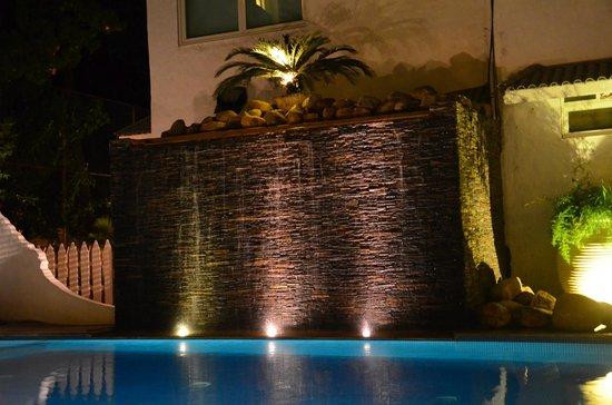 Azzure By Spree Hotels: Waterfall