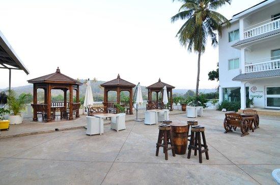 Azzure By Spree Hotels: Eviva Pool Side