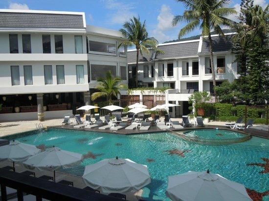 Sawaddi Patong Resort & Spa:                   pool view
