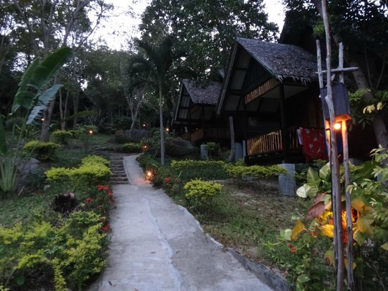 Thongtapan Resort:                   Lovely bungalows