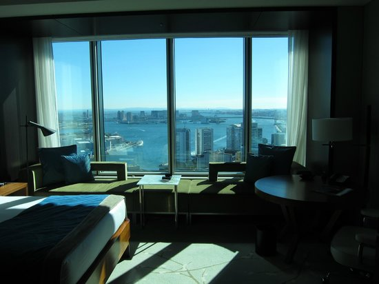 Conrad Tokyo: Hotel room