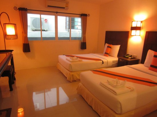 Patong Station House: bedroom