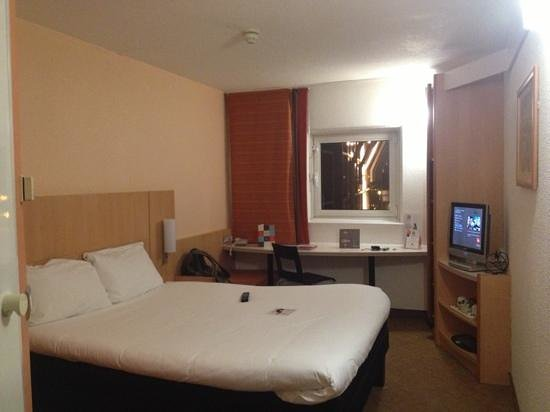 Ibis Cardiff:                   All what you need