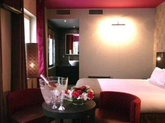 Aero Hotel: chambre