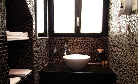 Aero Hotel: Salle de bains