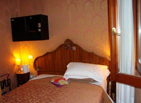 Hotel Lisbona: My room