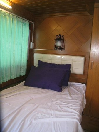 Camera da Letto in Barca - Picture of Similan Islands, Phang Nga ...