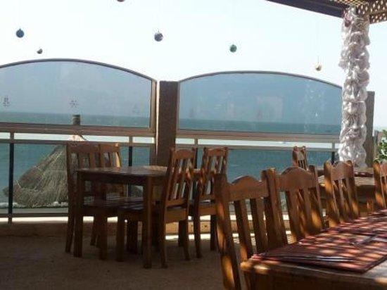 Casa Coco:                   Restaurant overlooking the ocean