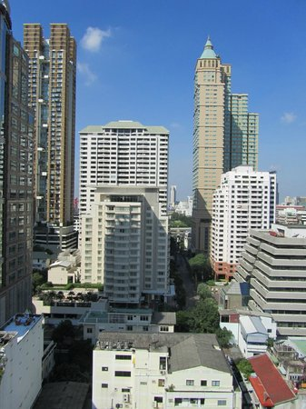 Cape House, Bangkok: View towards Hansar and CentrePoint Ratchadamri