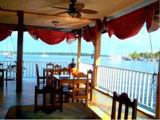 Hotel Oasis: Comedor