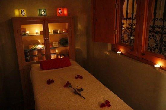 Riad Berenssi : salle de massage