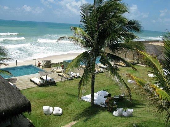 Kenoa - Exclusive Beach Spa & Resort : Piscine/plage