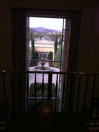 Hilton Lake Las Vegas Resort & Spa: Beautiful views of the grounds