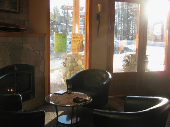 Firelite Lodge:                   Lobby