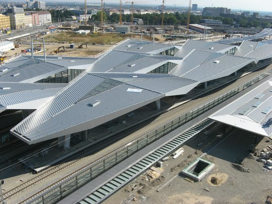 Bahnorama: Wien Hbf roof already in place