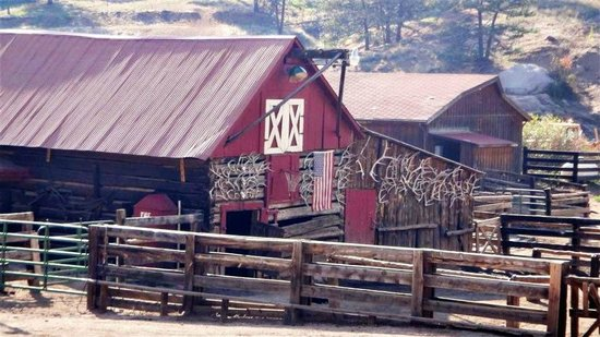 Lost Valley Ranch:                   Barn