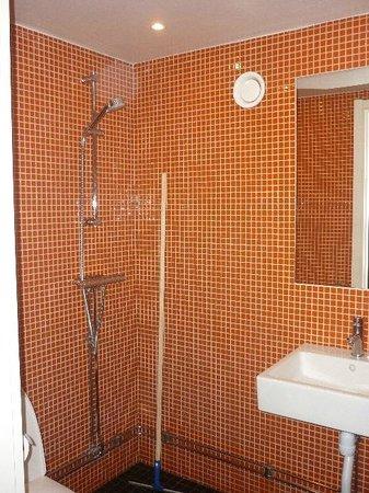 Stockholm Hostel: bagno