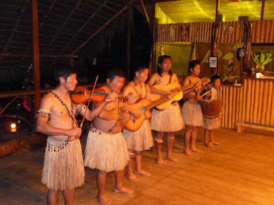 Anaconda Lodge Ecuador: Grupo Musical Amauta, Kichwas