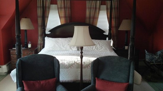 Ashley Manor :                   King George Suite
